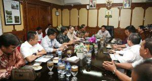 Temui Irwandi, GM PLN lapor Kondisi Listrik Aceh