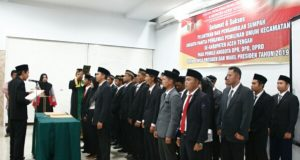 42 Anggota Panwaslu Kecamatan se-Aceh Tengah Dilantik