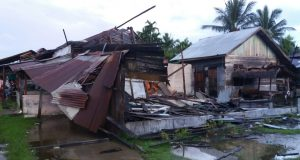 Angin Kencang Terjang Tanoh Anoe Puluhan Rumah Dan Ruko Rubuh