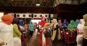 Semangati Anak Penderita Kanker, DWP Aceh Kunjungi Rumah Kita