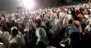 Sekitar 50 Ribu Lebih Jamaah Hadiri Tausiah Ustad Somad di Arena Ratu Safiatuddin
