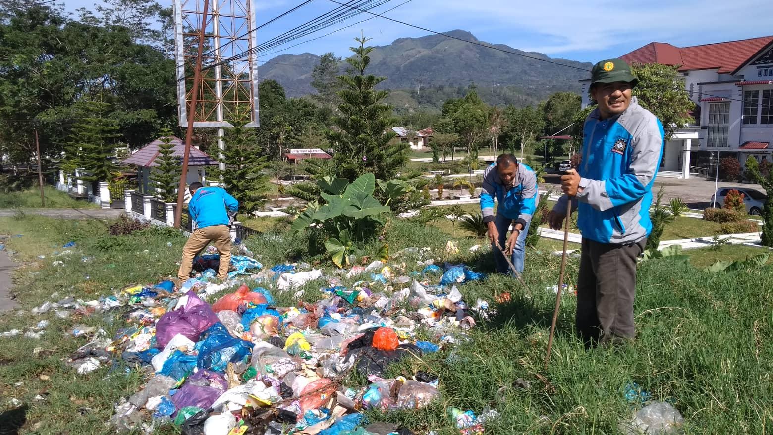 FORGAB Bersihkan Sampah di Pegasing